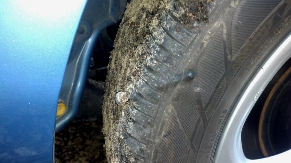 nissan leaf flat tire | Blue Water Leaf