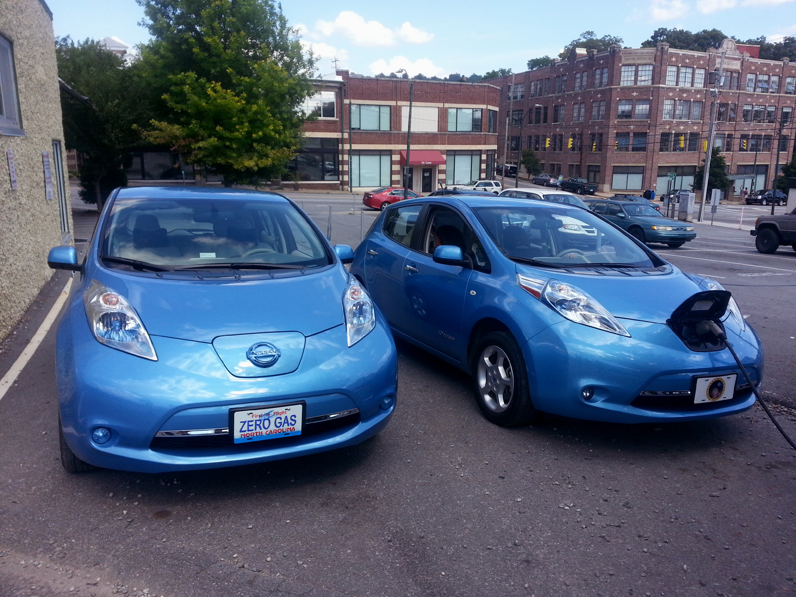 NISSAN LEAF REPORT for July 2014 | Blue Water Leaf on