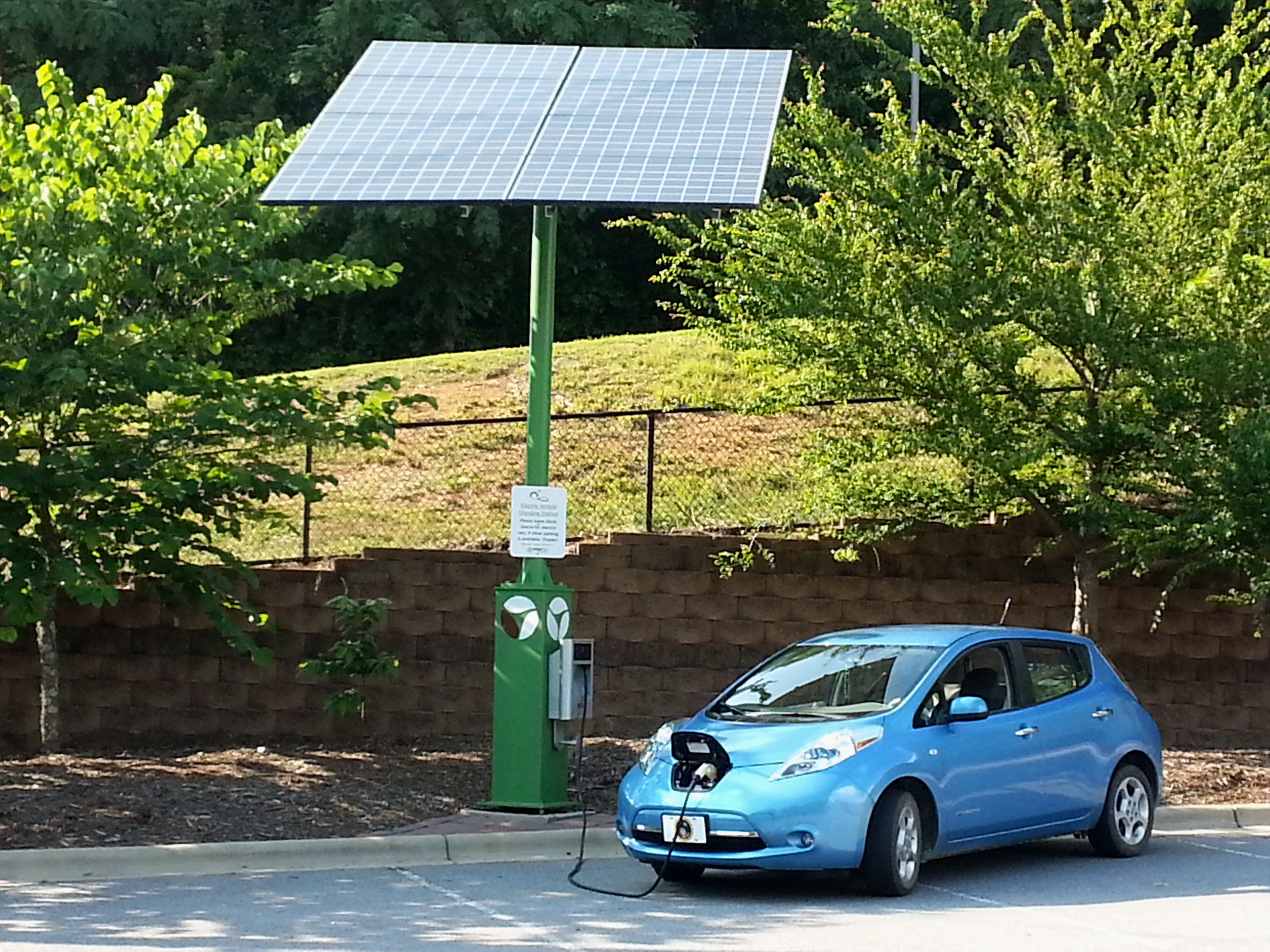 Nissan leaf report for july 2014 blue water leaf solarcharging714unca vanachro Choice Image