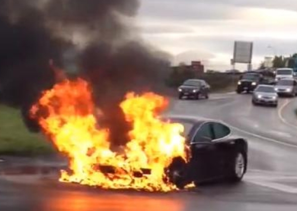 tesla-model-s-burns