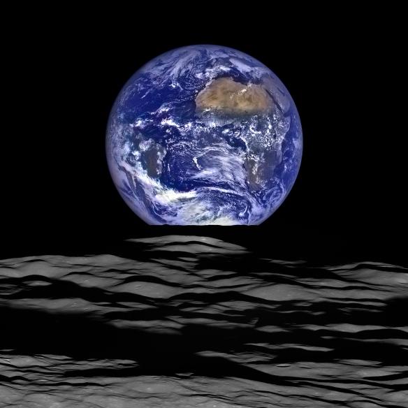 earthrisenasa15